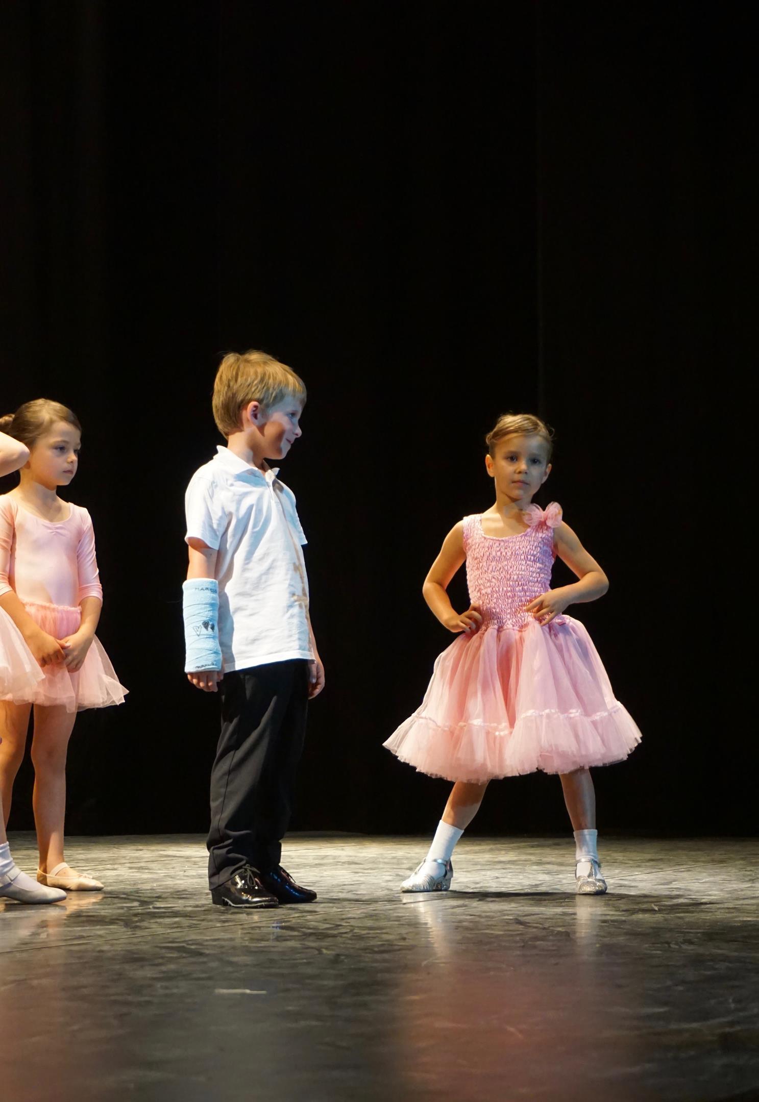 to af vores søde små dansere som gør sig klar til næste dans
