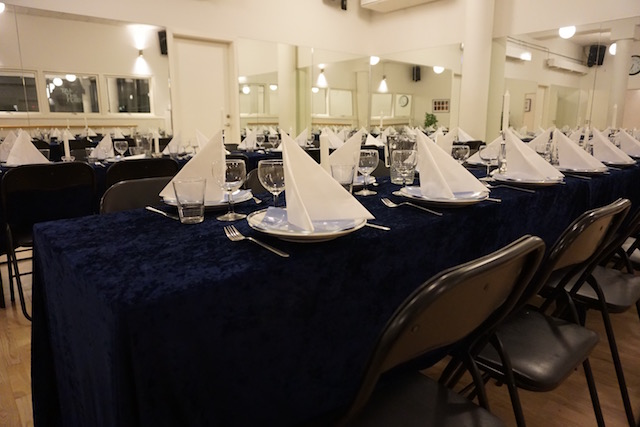 Bordene står klar til en dejlig omgang julemad