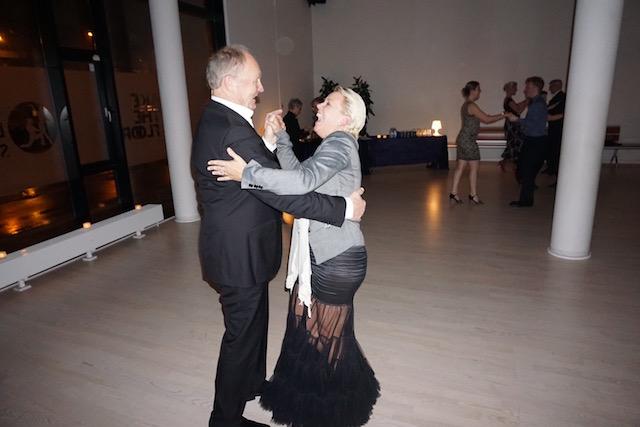 Lasse og karina i en fortryllende Salsa til juledansefest hos Soffie Dance Studio